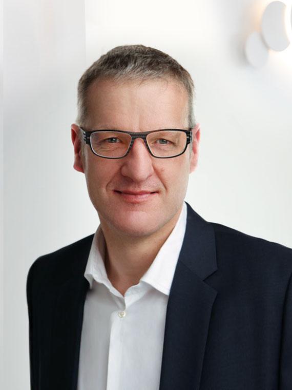 Dr. med. Carsten Oetzel, Facharzt für Innere Medizin